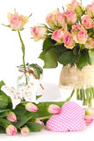 Blumen als Tischschmuck stockfotografie