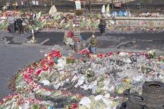 Blumen auf den Barrikaden Lizenzfreie Stockfotografie