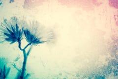 Blumen in der Weinlesefarbart auf Maulbeerpapierbeschaffenheit Stockbild