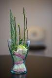 Blumen fügen umgedrehtes in den Vase ein Lizenzfreies Stockbild