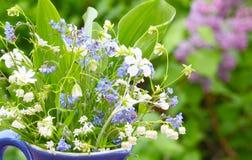 Blumen für Muttertag-Gruß stockbild