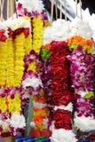 Blumen-Girlanden oder Rosenbeete Stockfotos