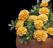 Blumen in Handarbeit gemacht von den Karotten stockfotografie