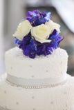 Blumen-Hochzeits-Kuchendeckel Stockbild