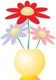 Blumen im gelben Vase Lizenzfreies Stockfoto