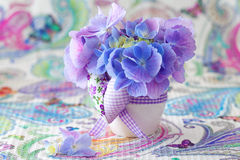 Blumen mit einem Herzen Lizenzfreies Stockfoto