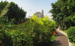 Blumen-Pagode des Tempels von sechs Banyanbäumen Lizenzfreie Stockfotos