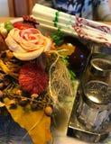 Blumen, Salz u. Pfeffer Stockbild