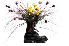 Blumen sind in einer Matte Stockfotos