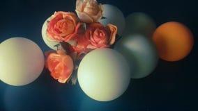 Blumen und Bälle stockfotografie