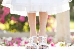 Blumen und Füße Stockfotografie