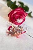 Blumen und Juwelier lizenzfreies stockfoto