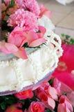 Blumen und Kuchen Lizenzfreies Stockbild