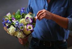 Blumen und Liebesanmerkungen Lizenzfreies Stockfoto