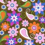 Blumen- und Paisley-Tapete Stockfotografie