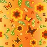 Blumen und Schmetterlingstapete Lizenzfreie Stockfotos