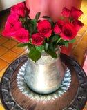 Blumen verwendeten, um den Tempel in Chiang Mai, Thailand anzubeten stockfotografie