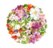 Blumenball - Blumen im Kreismuster, Schmetterlinge watercolor Lizenzfreies Stockfoto