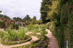 Blumenbeet des formalen Gartens Stockfotografie