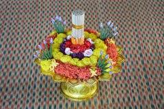 Blumenbehälter für Respektlehrer lizenzfreie stockbilder