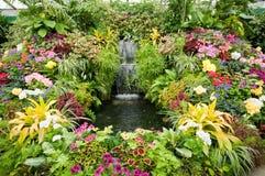 Blumenbildschirmanzeige an den Butchart Gärten Stockfotos