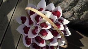 Blumenbl?tter f?r Hochzeitszeremonie stock video