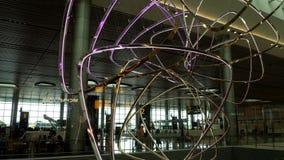Blumenblatt bewölkt kinetische Skulptur stock video