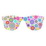 Blumenbrillen auf weißem Hintergrund Stockfotografie
