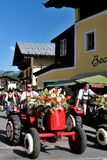 Blumencorso in Kirchberg in Tirol Stockfoto