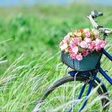 Blumenfahrrad Stockbild