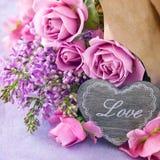 Blumengeschenk Lizenzfreie Stockfotos