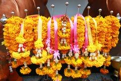 Blumengirlanden für buddhistische religiöse Feier Stockfotografie