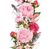 Blumengrenze mit Blumen, Rosen, Federn Weinlese wiederholter Streifen watercolor Lizenzfreies Stockbild