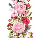 Blumengrenze mit Blumen, Rosen, Federn Weinlese wiederholter Streifen watercolor Stockbilder
