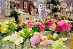 Blumenhändlersystem mit Blumen Stockfoto