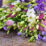 Blumenhintergrund von Eustomablumen stockbilder