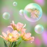 Blumenkarte mit rosa Tulpen Lizenzfreies Stockfoto