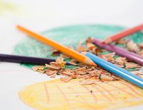 Blumenleistung - Bleistifte lizenzfreies stockbild