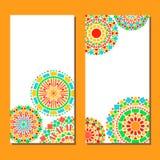 Blumenmandalagrenze der bunten Kreise in Grünem und in Orange auf Weiß, Satz mit zwei Karten, Vektor Stockfoto