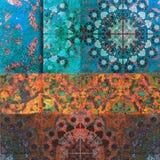 Blumenmotiv, habby Hintergrund des Mosaiks Gold Lizenzfreie Stockfotos