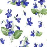 Blumenmuster des nahtlosen Aquarells Heftige Blumen und Blätter auf weißem Hintergrund Stockfotografie