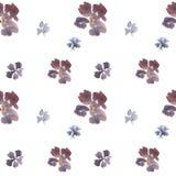 Blumenmuster des nahtlosen Handgezogenen losen Aquarells mit den blauen und purpurroten Blumen lizenzfreie abbildung