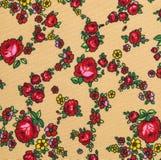 Blumenmuster, Rosen-Blumen-Hintergrund auf Stoff Lizenzfreies Stockbild