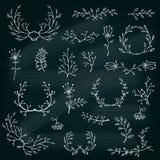Blumenmusterelemente auf der Tafel Satz nette Retro- Blumen vereinbarte UNO eine Form des Kranzes, der für Heiratseinladungen und Stockfoto