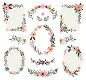 Blumenrahmensammlung mit Hand gezeichneten dekorativen Niederlassungen vektor abbildung
