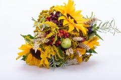 Blumensträuße von Blumen und von Kräutern Stockbilder