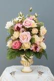 Blumenstrauß-Blume im Vase Lizenzfreie Stockbilder