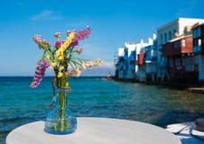 Blumenstrauß der Blumen auf einem kleinen Venedig Lizenzfreie Stockbilder