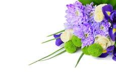Blumenstrauß der Blumen auf einem weißen Hintergrund Stockbild