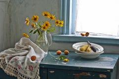 Blumenstrauß der Blumen und des gekochten Mais Lizenzfreies Stockbild